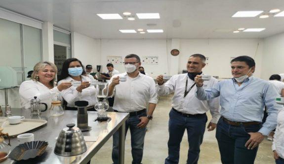 Cafeteros caucanos celebran el reconocimiento a su parque tecnológico del café, Tecnicafé, como primer parque científico, tecnológico y de innovación en Colombia